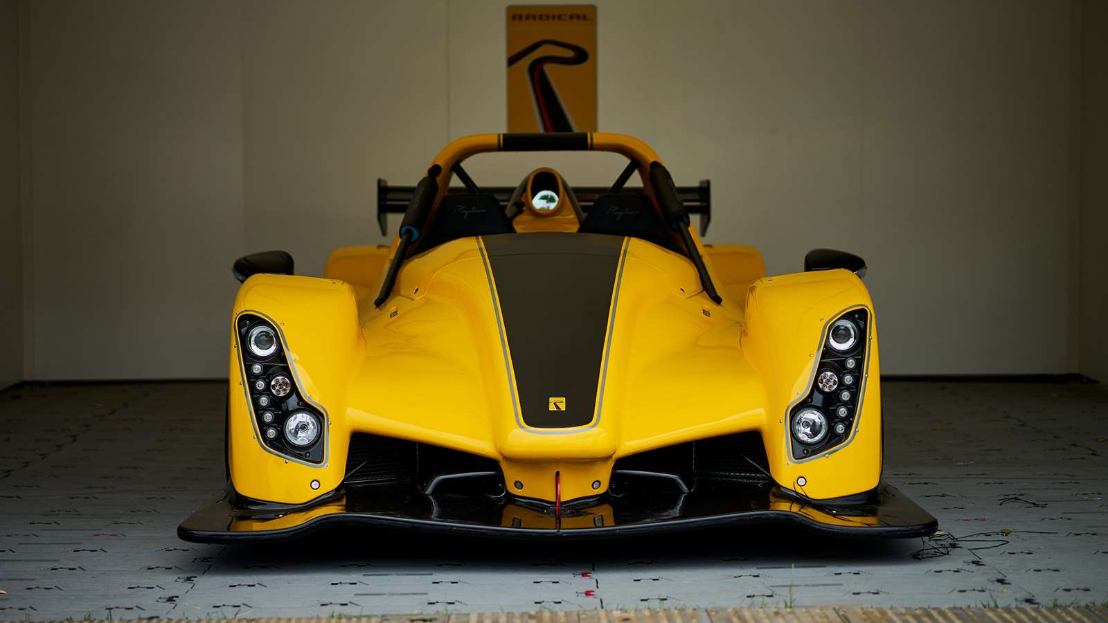 New Radical Rapture – race car for the road