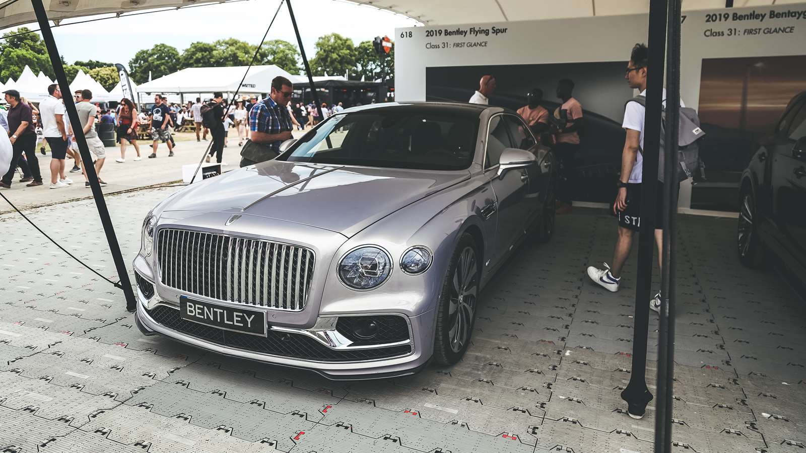 New Bentley Flying Spur Debuts At Fos