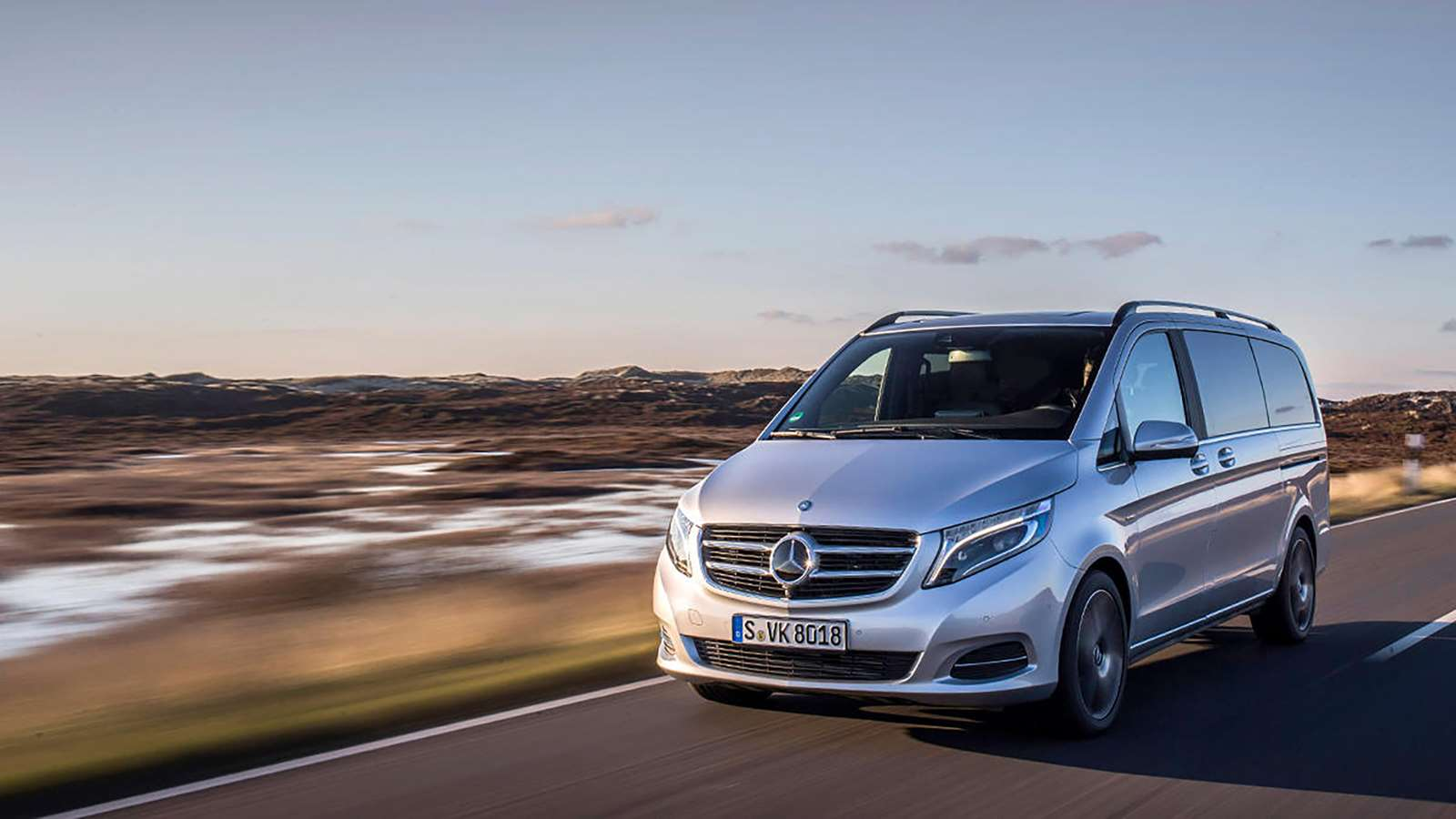 Top 10 Large Family Cars: The 10 Best Cars For Extra-large Families