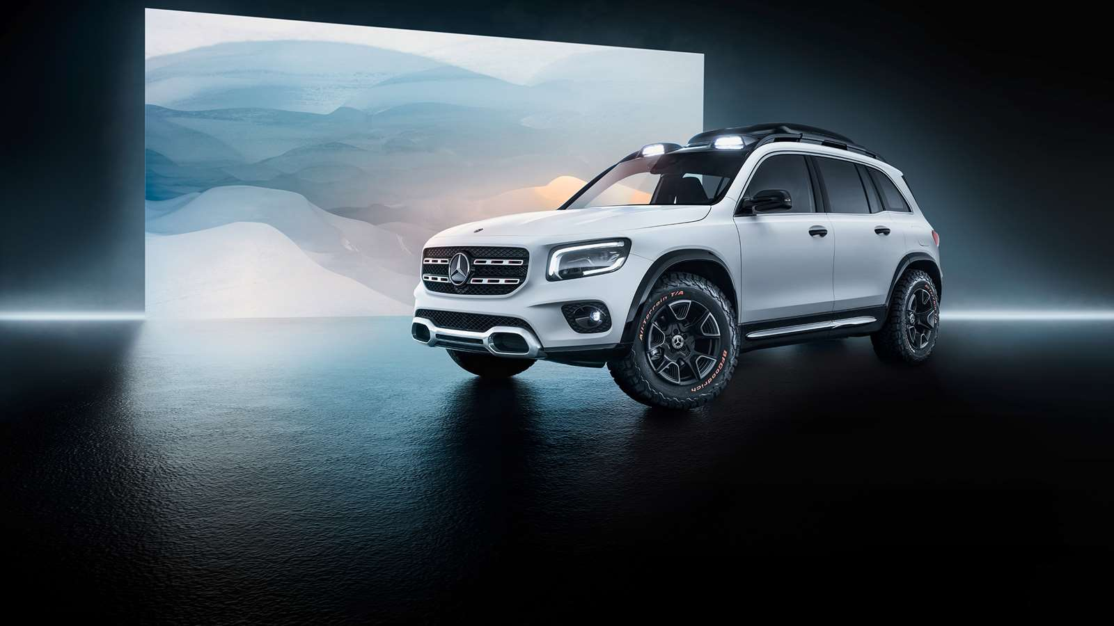 New Mercedes Suv >> The New Mercedes Glb Is A Refreshingly Rugged Suv