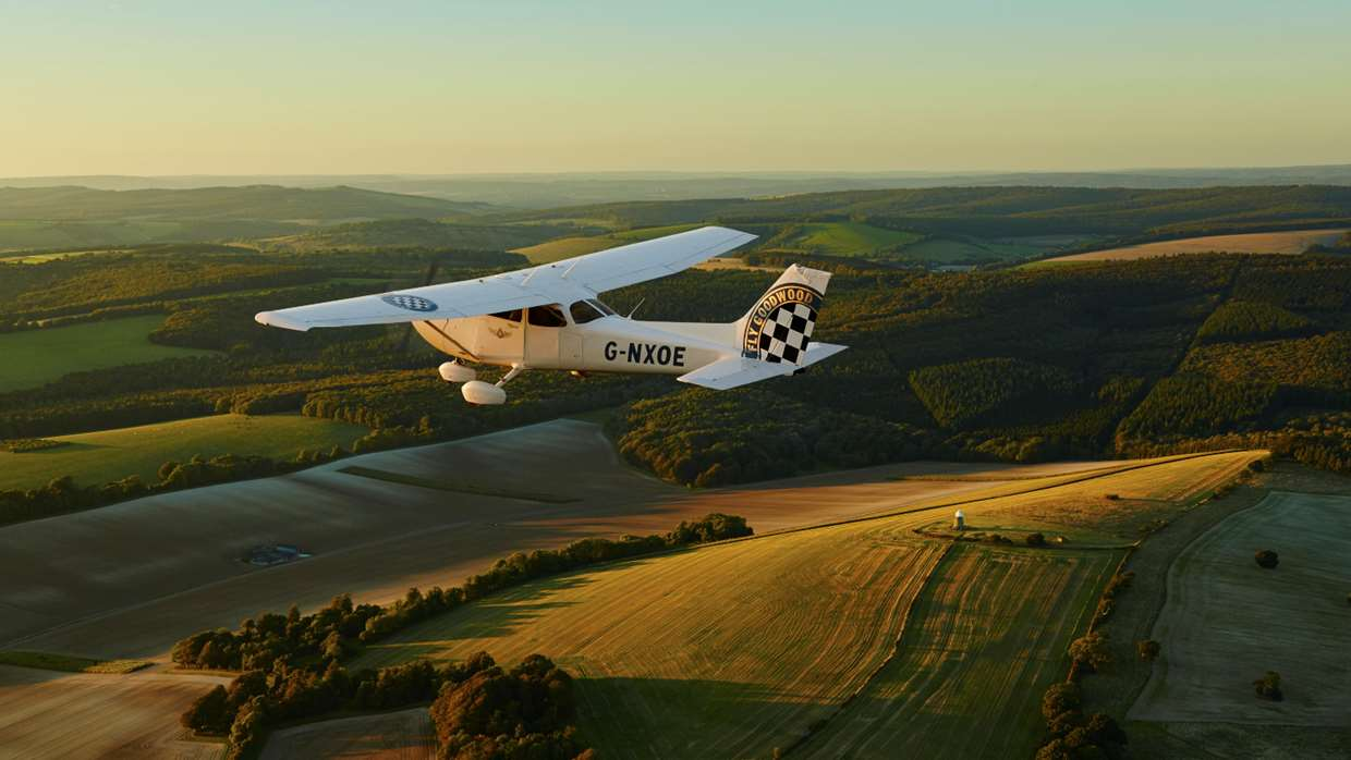Introductory Flights in West Sussex | Goodwood Flying School