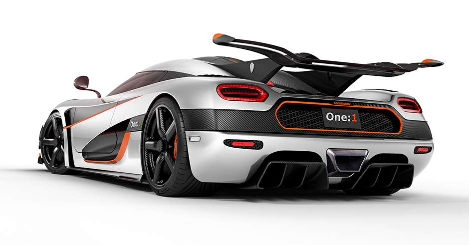 v2Koenigsegg_One1_Rear_03 crop