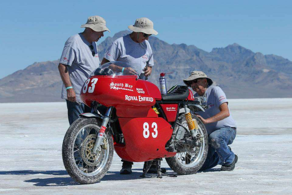 royal-enfield-continental-gt-land-speed-record-bonneville-4
