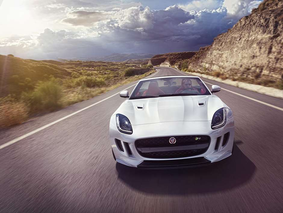 Jaguar-F-type-AWD-manual