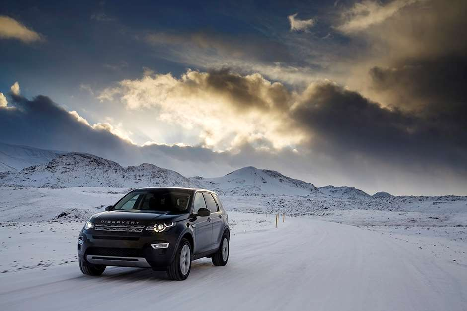 land-rover-discovery-sport-iceland-road-test