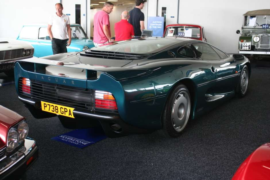 jaguar-xj220-auction-sale