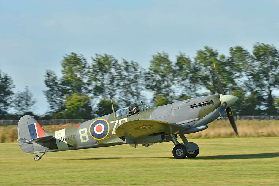 Spitfire_Freddie_March__Revival_180515_Battle_of_Britain002