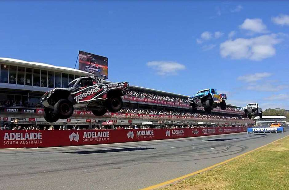 Stadium_Supertrucks_Adelaide_140520150