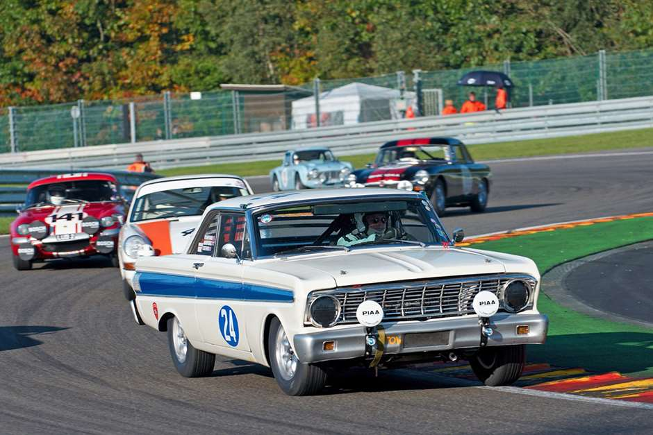 Spa six Ford Falcon 21081503