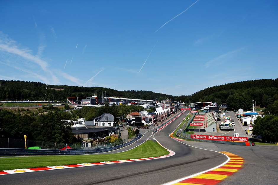 Spa-Francorchamps, Spa, Belgium. Thursday 20 August 2015. The view from the top of Eau Rouge down towards the paddock. World Copyright: Alastair Staley/LAT Photographic ref: Digital Image _R6T0181