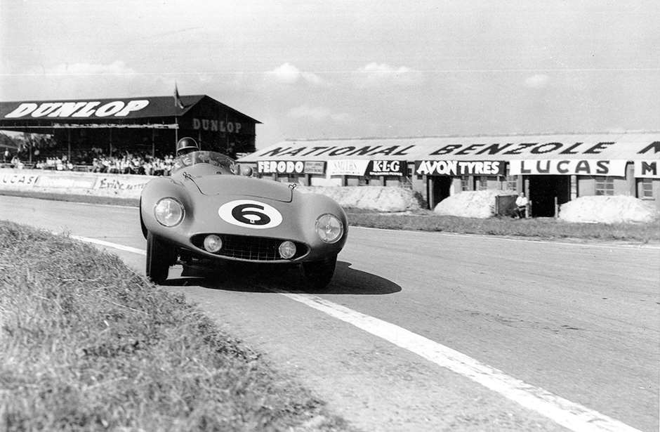 ...as would Mike Hawthorn in 1955 at Woodcote!