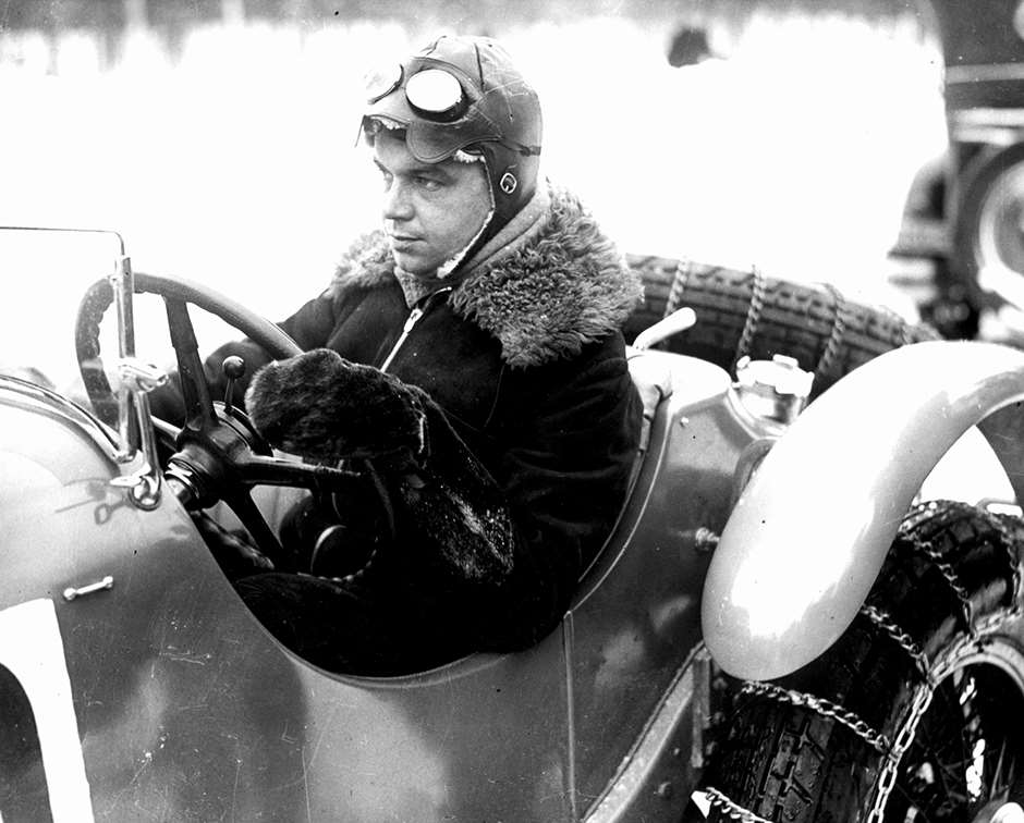 Ready for pre-war ice-racing - Rudi Caracciola with snow chains on his Mercedes-Benz SSK