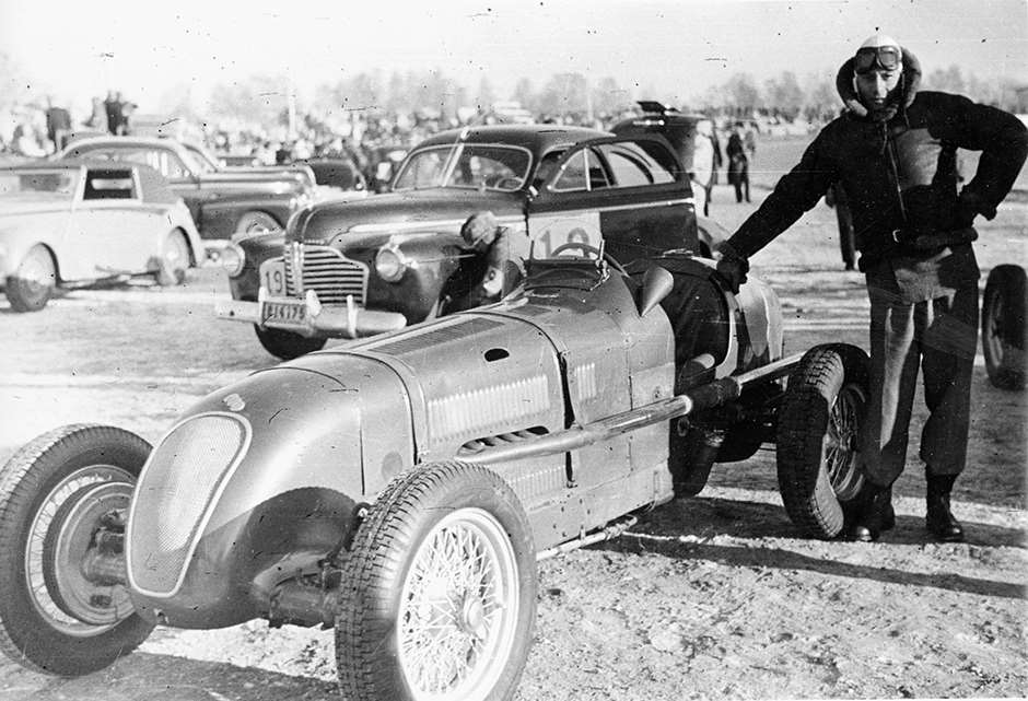 George Abecassis wrapped-up warm - Swedish ice racing 1947