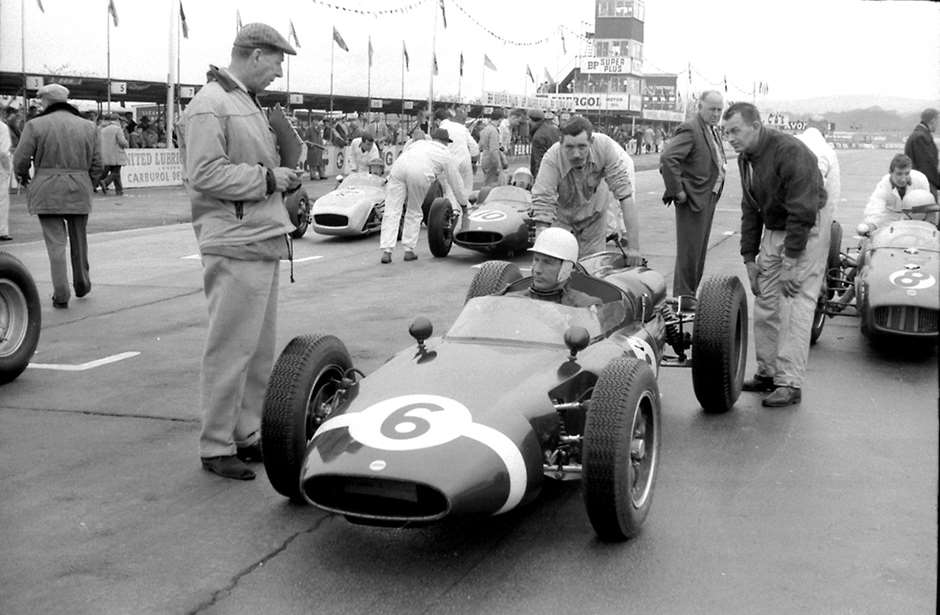 1961 Easter Monday - Rob Walker with Moss and ICF Cooper on grid - extra storey on the comm tower beyond