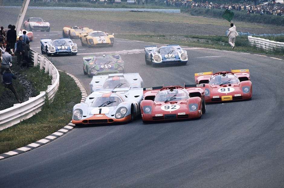 1970 Watkins Glen 6 Hours. Watkins Glen. USA. 11th July 1970. Jo Siffert/Brian Redman, Porsche 917K, 2nd position,battles with the Mario Andretti/Ignazio Giunti, Ferrari 512S Spyder, 3rd position, action. World Copyright: LAT Photographic