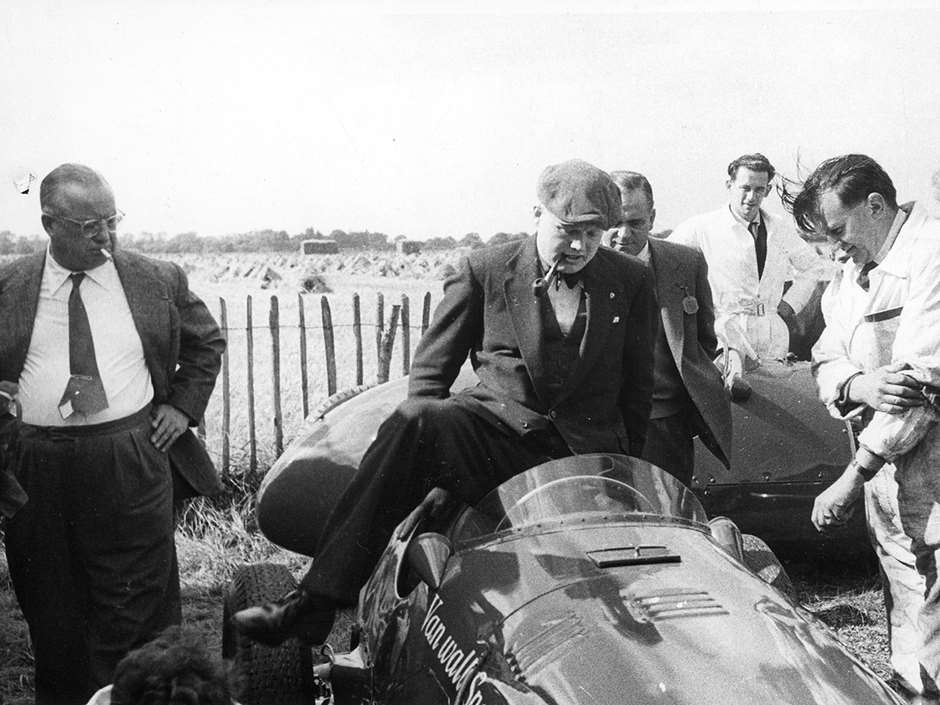 Entrant Tony Vandervell (left) - Mike Hawthorn and the 1955 Formula 1 Vanwall Special