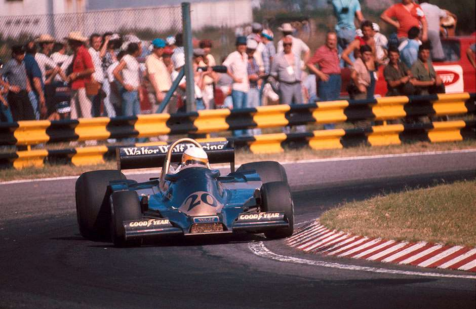 1977 Argentinian Grand Prix. Buenos AIres, Argentina. 7-9 January 1977. Jody Scheckter (Wolf WR1 Ford) 1st position  Ref-77 ARG 12. World Copyright - LAT Photographic