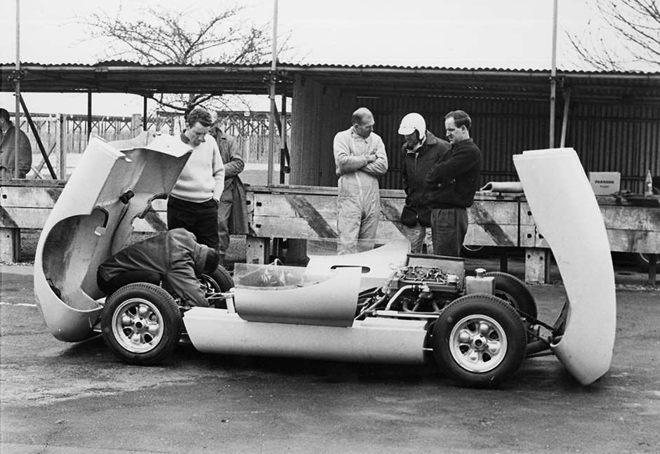 GPL 1963 BT5 SPORTS ON TEST GOODWOOD PITS