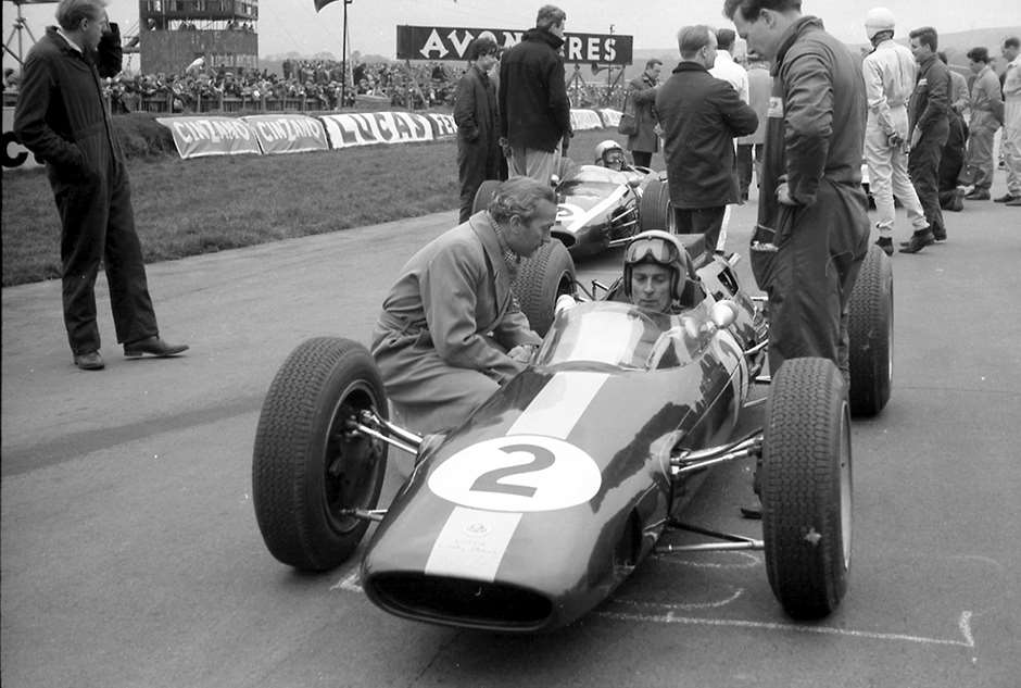 Team Lotus No 2 driver Peter Arundell in the Lotus-Climax 25, Easter Monday 1964